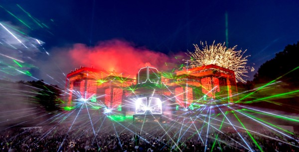 Awakenings 2015 lasers