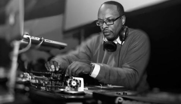 Dj Jazzy Jeff Isn't Convinced About The New Technics Turntable | 6AM