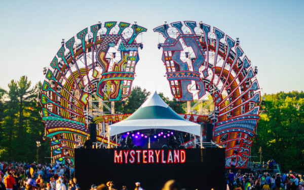 View More: http://simonefoxphotography.pass.us/mysteryland