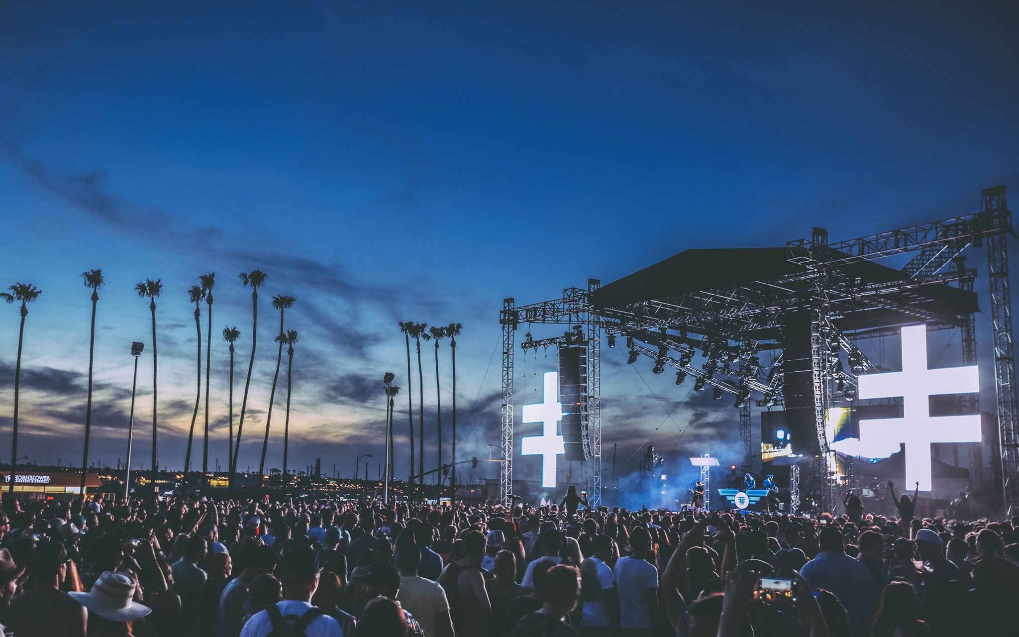 CRSSD Fest Desktop Background