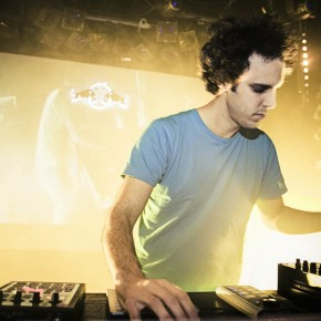 Four Tet performs during the Red Bull Music Academy Bass Camp in Vienna, Austria on November 16th, 2013 . Picture by Red Bull Music Academy