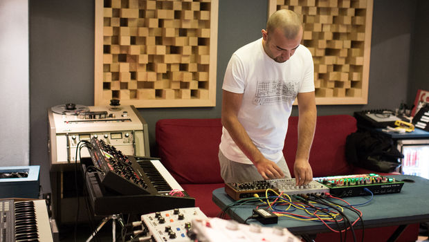 Red Bull Studios Paris Session with KiNK