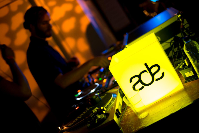 ADE DJ