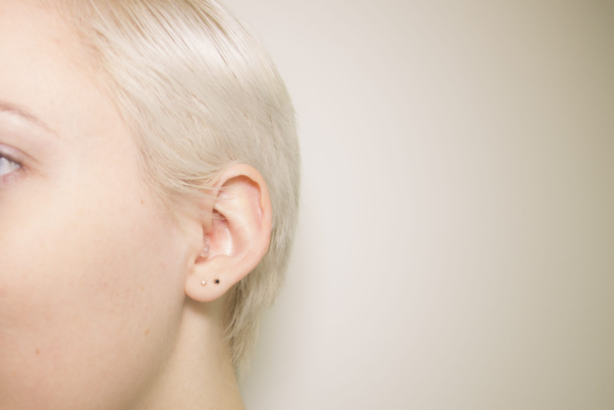 Clear Plugs In Ear_0002