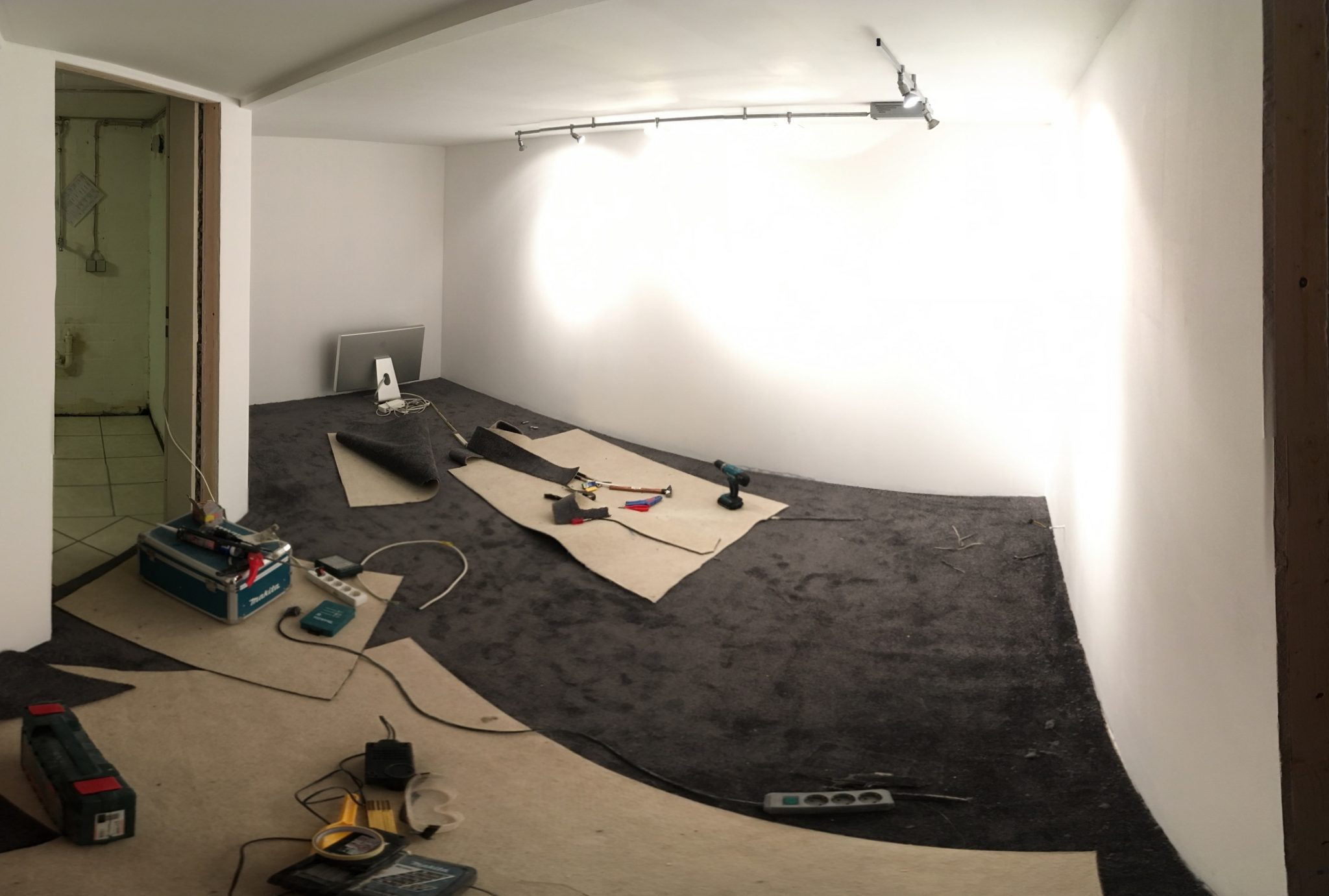 The Walls were painted and the floor got it's carpeting.