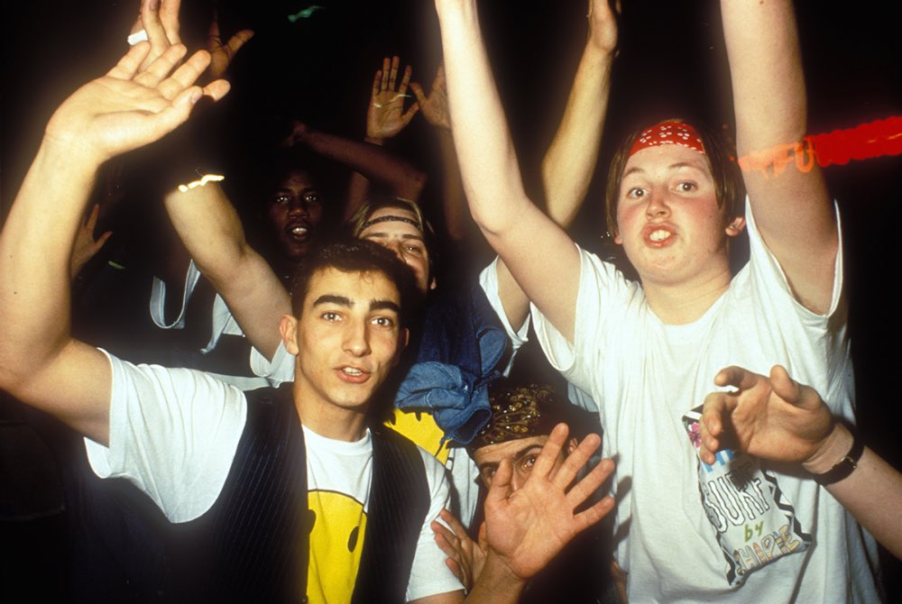 Tbt the second summer of love britain s acid house for Acid house music 1988