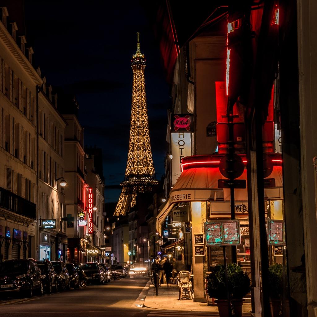Paris-Closing-Bars
